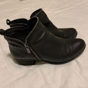 LUCKY BRAND BARTALINO BOOTIES SIZE 8